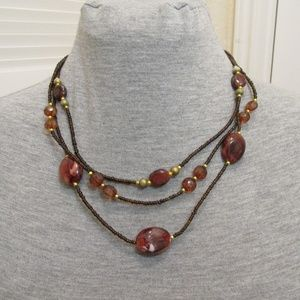 Jewelry - Brown toned beaded necklace